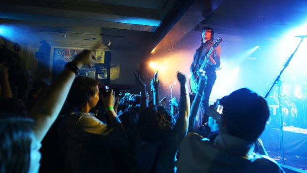 Nic Chester from the now disbanded Jet at the Annandale Hotel in 2006.