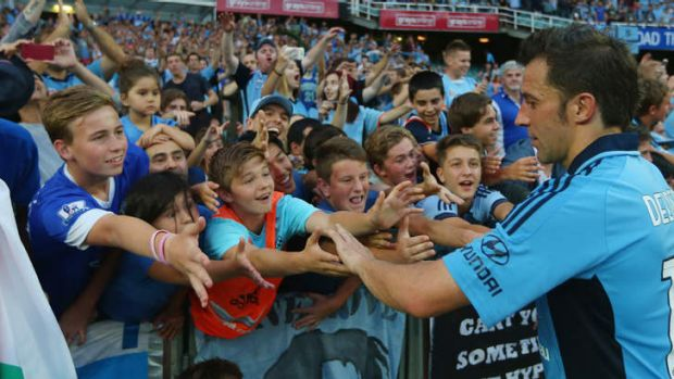 Fan favourite Alessandro Del Piero has signed a new deal with Sydney FC.
