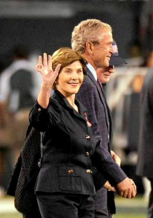 Former US president George W. Bush and former first lady Laura Bush in 2011.