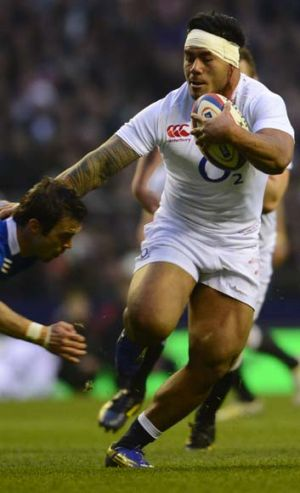 Raw power ... Manu Tuilagi.