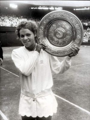 Evonne Goolagong with the women's Wimbledon trophy in 1971.