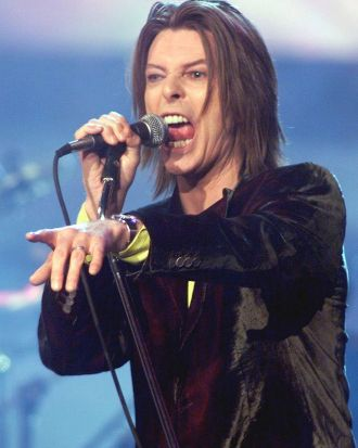 <i>Rebel Rebel</i> ... Bowie after receiving the Legend Award at the WB Radio Music Awards show in 1999.