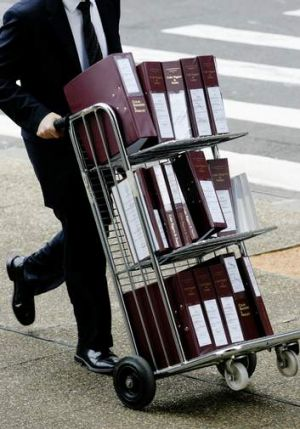 050209. AFR. Legal documents on their way to the Supreme Court of NSW. AFR FIRST USE. Photo by Paul Miller. DIGICAM 00033148