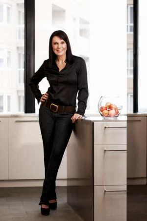 Barb de Corti has come up with a hybrid model to sell her product.