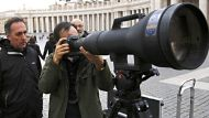 Dylan Martinez and Tony Gentile test a 1200-1700mm super-telephoto zoom lens