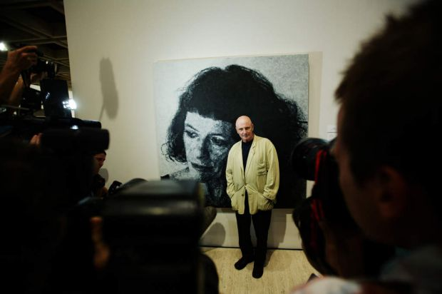 2007 - Archibald Winner   John Beard with his Portrait of artist Janet Laurence.