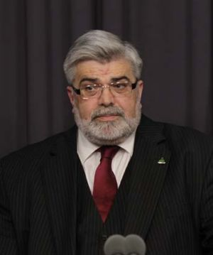 Senator Kim Carr is the latest Rudd supporter to publicly criticise a government decision after last month's failed ...
