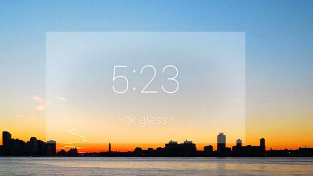 Google Glass tells the time.