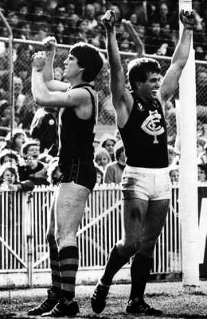Wayne Johnston greets another Carlton goal as Richmond defender Mervyn Keane clenches his fists in despair, 15 August 1982.