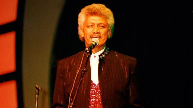 Late Wickety Wak member Pahnie Jantzen performing on stage.