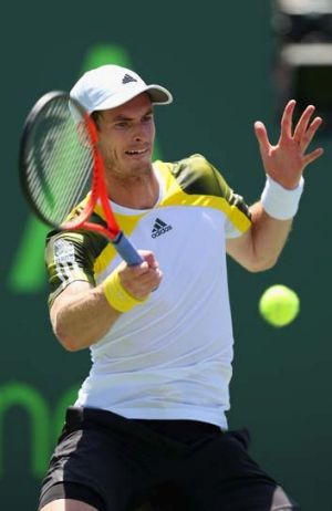 Andy Murray plays a forehand during the final.