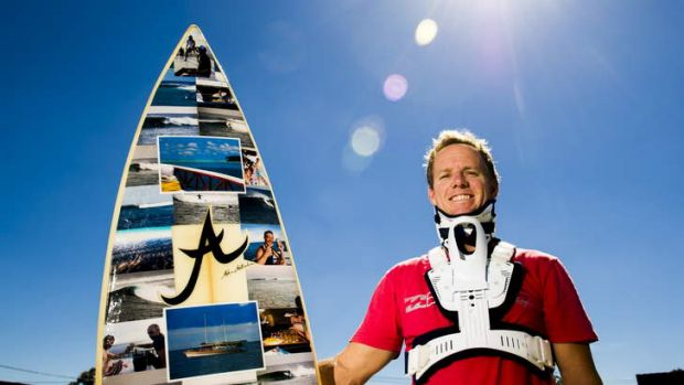 Senior BOM meteorologist Sean Carson has returned to working part-time after breaking his neck in a surfing accident in ...