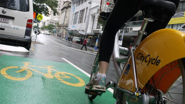 A survey has found women ride bicycles less than men because they fear more for their safety.