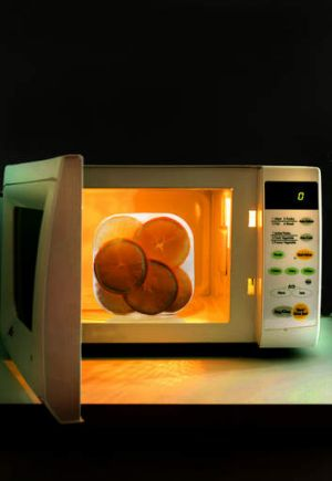 Generic microwave oven.
