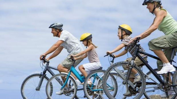 New figures show an increase in the number of people cycling in Civic but the numbers fall short of the ACT Government's ...