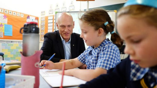 Federal Education Minister Peter Garrett visits a school to spruik the Gillard government's Gonski reforms.