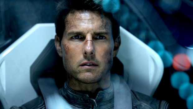 Survivor: Tom Cruise plays an evacuee from an invasion-ravaged Earth in <em>Oblivion</em>.