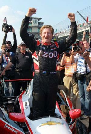 Ryan Briscoe has signed with Chip Ganassi Racing.