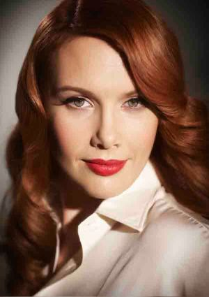 Claire Bowditch wants artists to succeed commercially.