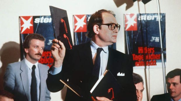 Gerd Heidemann presents the fake diaries at a press conference in 1983.