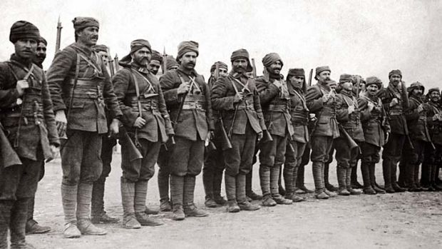 Turkish troops on parade at Gallipoli during World War I, circa 1915.