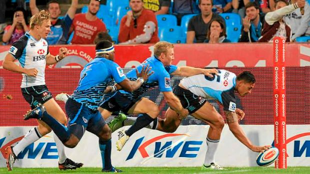 Israel Folau scores his fifth try in Super Rugby