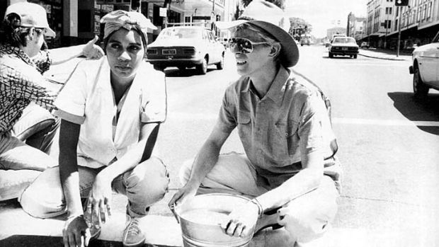 Brilliant opportunity: Joelene King 30 years ago on Broadway with David Bowie where she was filmed scrubbing the road.