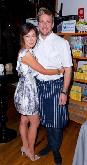 Nearly Weds: Lindsay Price and Curtis Stone.