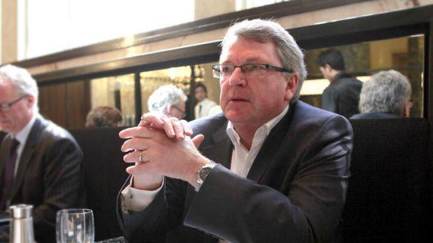 Australian political strategist Lynton Crosby has been criticised by British opposition leader Ed Miliband.
