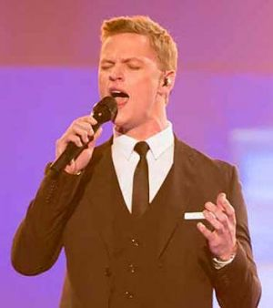 """Masterful"": Luke Kennedy sings <em>Time to Say Goodbye</em>."