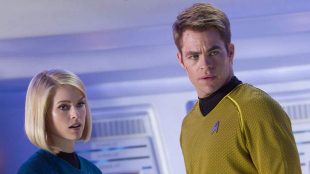 Alice Eve as Carol and Chris Pine as Kirk in <i>Star Trek: Into Darkness</i>.
