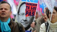 French rally against gay-marriage (Video Thumbnail)