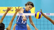 (FILES) A file picture taken on November 3, 2010 shows Ingrid Visser of the Netherlands (C) spiking the ball past Puerto ...