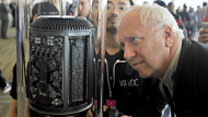 Apple shows off new MacPro and iOS7 (Video Thumbnail)