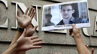 Beijing remains tight-lipped on Snowden (Video Thumbnail)