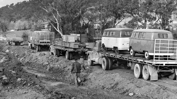 Jam: The scene of the big bog at Tumbalong Bridge where hundreds of trucks were stranded on the Hume Highway in 1956.