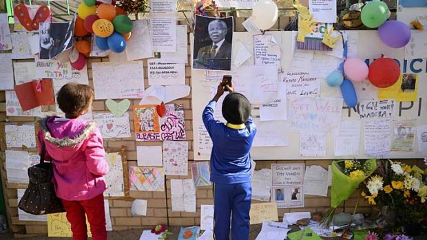 School children visit Mediclinic Heart Hospital where Nelson Mandela is being treated to pay tribute.