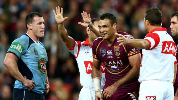Laughable: Justin Hodges leaves the field.