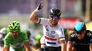 Cavendish takes first win of Tour (Video Thumbnail)