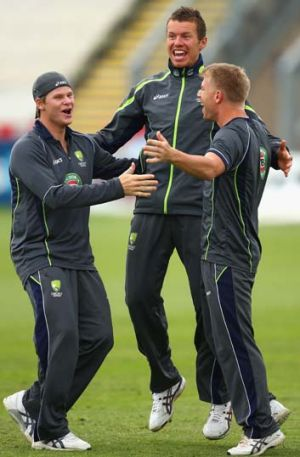 Steve Smith, Peter Siddle and David Warner train in the nets in Worcester.
