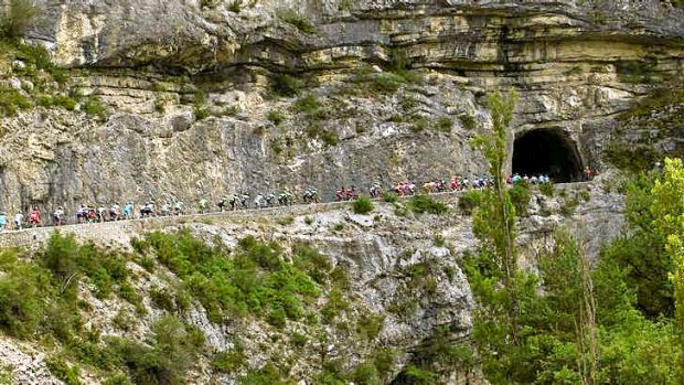 Tunnel vision: The peloton heads east on the 168-kilometre 16th stage from Vaison-la-Romaine to Gap.