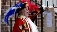 Town crier Tony Appleton announces the news of the birth of Prince William and Catherine, Duchess of Cambridge's baby ...