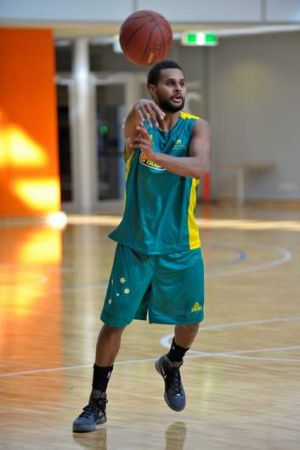 Patty Mills has been named in the 15-man Australian men?s basketball squad.