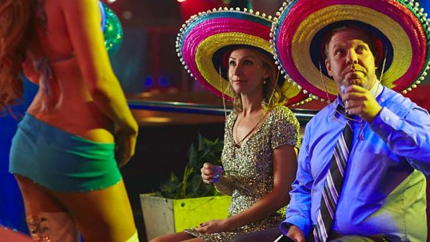 Come here often? Series creator Peter Helliar and Lisa McCune in the opening episode of <em>It's a Date</em>.