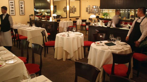 The reasons why restaurants are experiencing difficulties are quite complex.