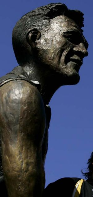 The Jack Dyer statue at Richmond.