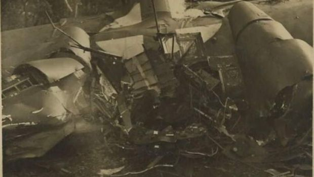 The wreckage on Mount Ainslie.