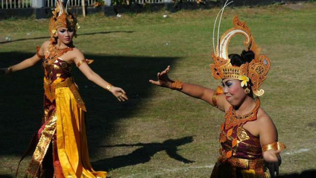 Kerobokan was opened to the media to watch prisoners perform in Indonesian National Day celebrations on Friday.