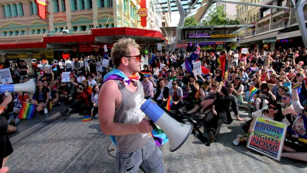 More than 1000 people took to the streets of Brisbane and the Queen Street Mall in as part of the Rally for Marriage Equality