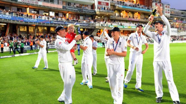 England players celebrate on the Oval after winning the Ashes.